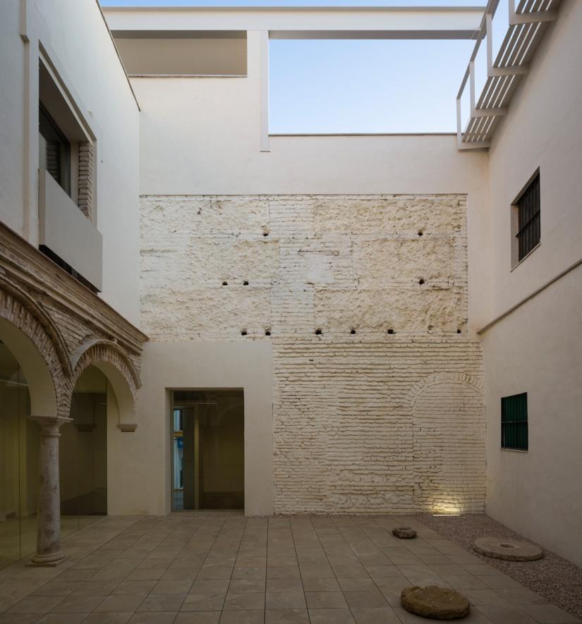 rehabilitacion-del-antiguo-colegio-ignacio-halcon-8201-17-1 (1)